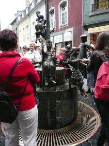 Rondleiding door Aken langs de beelden en monumenten