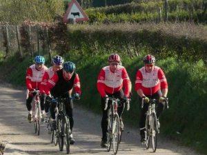 Een fietstochtje met vrienden met Vakantiewoningen 't Ysvogeltje als uitvalsbasis